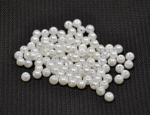 Skleněné perle 6 mm, 100 ks, bílá