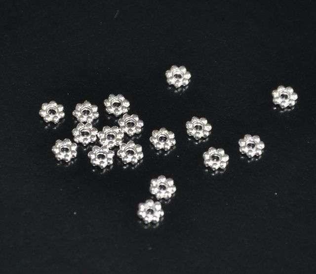 Květ 4 mm 100 ks