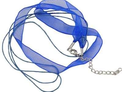 Šňůrka bavlněná s karabinkou a stuhou délka 45cm víceřadá - modrá barva.