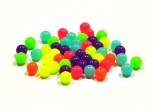 Korálky v neonových barvách 6 mm, 50 ks, mix barev