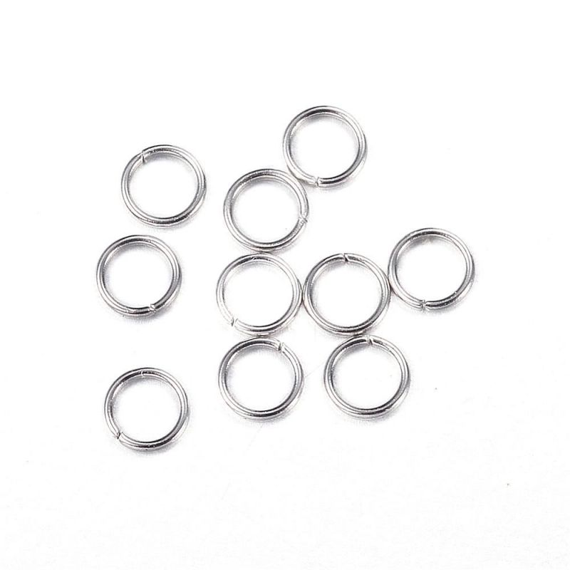 Spojovací kroužek z chirurgické oceli 304, 4x0,6 mm, 100 ks